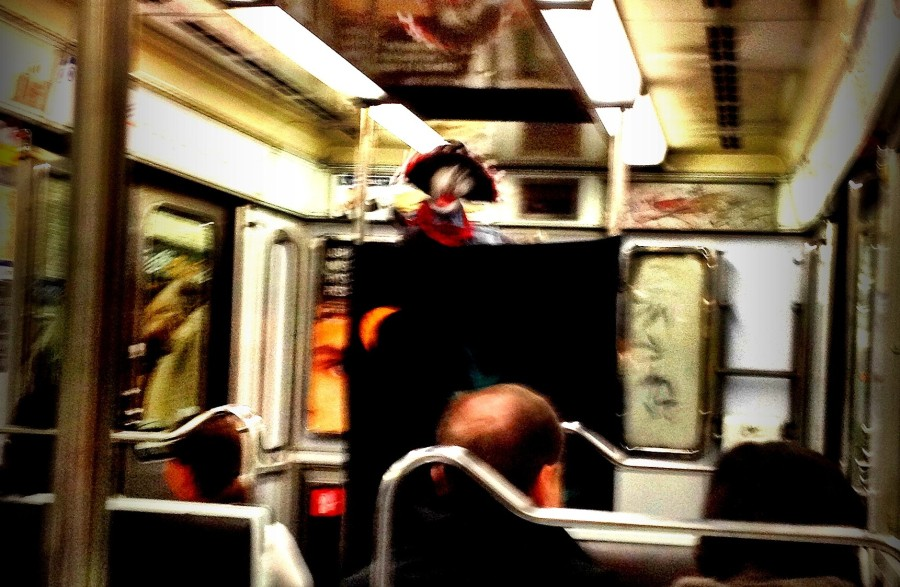 Paris puppet show on the metro