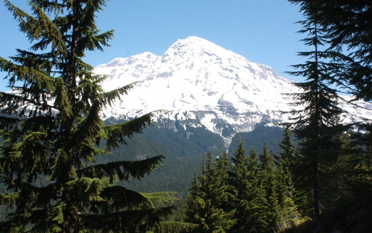 And if one wants to get out of the city, the mountains are close: 1.5 hours to Mt. Rainer or the Olympics, 45 minutes to the Cascades and Snoqualmie Pass (of course this does require a car).