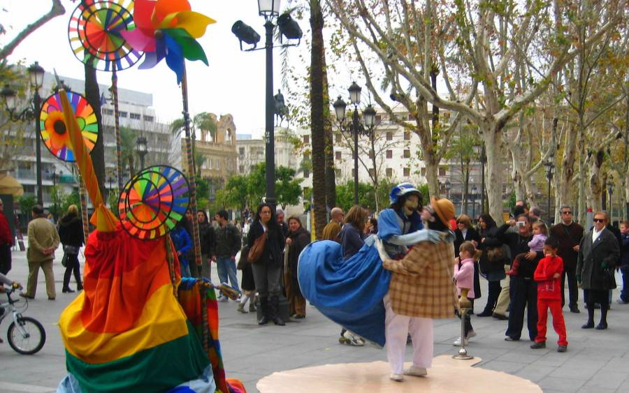 Sevilla public spaces: This was actually a one-man show, receiving quite a lot of attention from locals & tourists