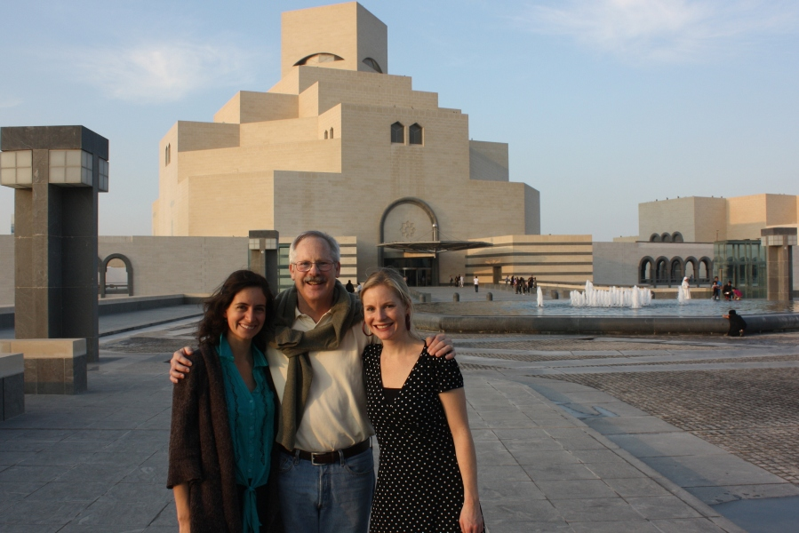 Doha reunions: My best friend from Bolivia/ Belgium, now working in Oxford & my father, working in Doha with the upgrading of the wastewater treatment facility. We took our free day to test out Doha's walking infrastructure, from the West Bay, along the Corniche, to the new Islamic Art Museum & onto the Souq Wadif - all very feasible by foot.  And finishing with a lovely Syrian dinner.